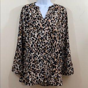 Sunny Leigh Leopard Long Sleeve V-Neck Shirt Sz M